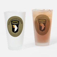 101st airborne screaming eagles Drinking Glass