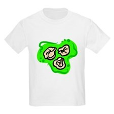 tortelinni on bold green background T-Shirt
