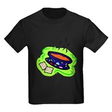 soup bowl & crackers on bold green T-Shirt