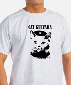 "Cute and Funny ""Cat Guevara"" Shirt T-Shirt"