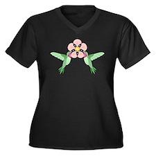Hummingbird Blossom Women's Plus Size T-Shirt