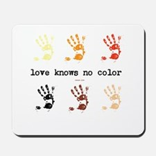 love knows no color Mousepad