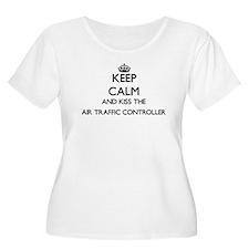 Keep calm and kiss the Air Traff Plus Size T-Shirt