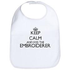 Keep calm and kiss the Embroiderer Bib