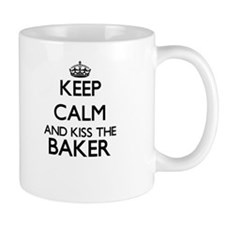 Keep calm and kiss the Baker Mugs
