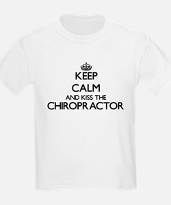 Keep calm and kiss the Chiropractor T-Shirt