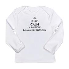 Keep calm and kiss the Databas Long Sleeve T-Shirt