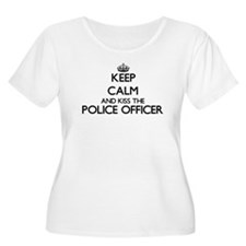 Keep calm and kiss the Police Of Plus Size T-Shirt