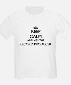 Keep calm and kiss the Record Producer T-Shirt