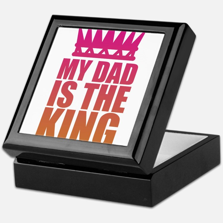 My Dad Is The King That Makes Me The Princess Keep