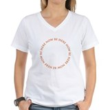Be here now Womens V-Neck T-shirts