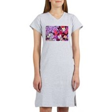 Sweet peas flowers in bloom Women's Nightshirt