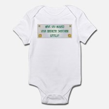 Hugged Shorthair Infant Bodysuit