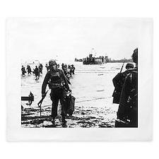 Cute World war ii King Duvet