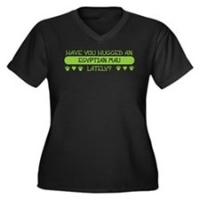 Hugged Mau Women's Plus Size V-Neck Dark T-Shirt