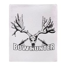 Bowhunter buck 14 Throw Blanket