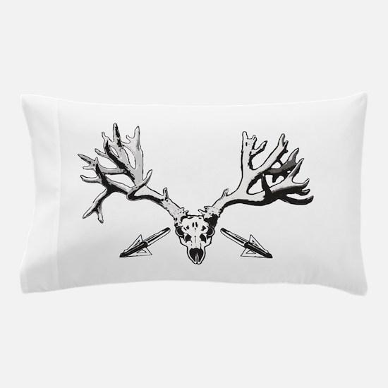 Broad head buck 214 Pillow Case