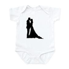 Kissing wedding couple Infant Bodysuit