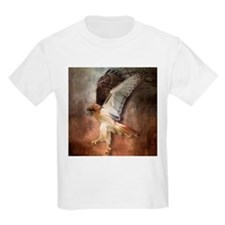 Red Tail Hawk in Vintage Light T-Shirt