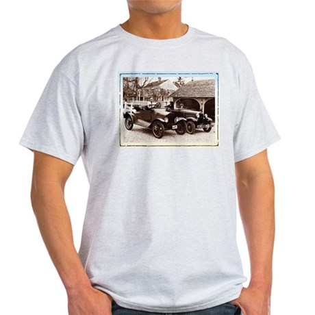 VintageAuto - Light T-Shirt