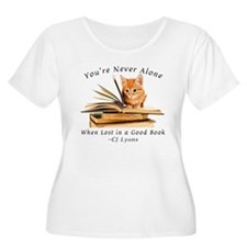 Kitten lost in books Plus Size T-Shirt