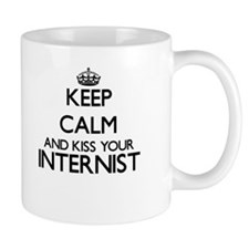 Keep calm and kiss your Internist Mugs