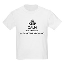 Keep calm and kiss an Automotive Mechanic T-Shirt