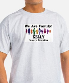 KELLY reunion (we are family) T-Shirt