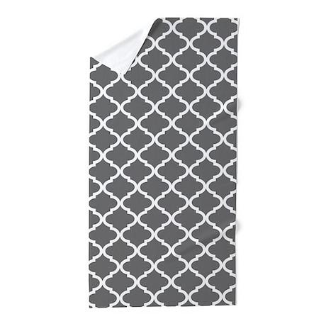 grey white quatrefoil pattern beach towel by dreamingmindcards. Black Bedroom Furniture Sets. Home Design Ideas