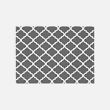 Grey White Quatrefoil Pattern 5'x7'Area Rug