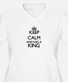 Keep calm and kiss a King Plus Size T-Shirt