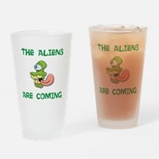 The Aliens are coming Drinking Glass