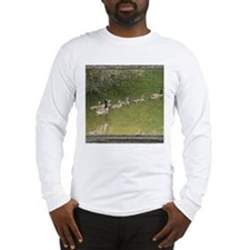 Old window canadian geese Long Sleeve T-Shirt