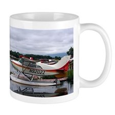 Float plane, Lake Hood, Anchorage, Alaska, US Mugs