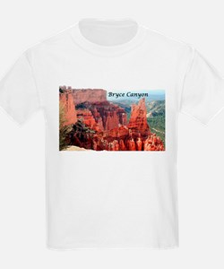 Bryce Canyon, Utah, USA 5 (caption) T-Shirt