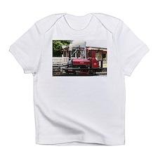 Red Steam train engine locomotive, Infant T-Shirt