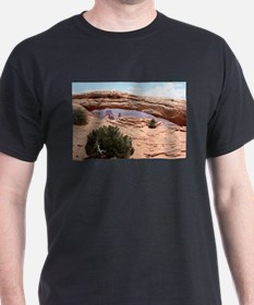 Mesa Arch, Canyonlands National Park, Utah T-Shirt