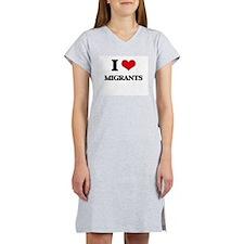 I Love Migrants Women's Nightshirt