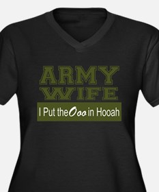 Army Wife Ooo in Hooah_Green Plus Size T-Shirt