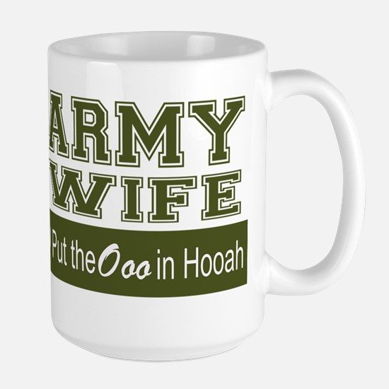 Army Wife Ooo in Hooah_Green Mugs