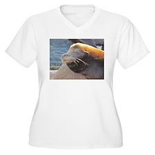 Sea Lion sunning itself Plus Size T-Shirt