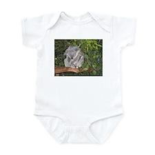 Unique Sleepy frog Infant Bodysuit