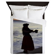 Hula Dancer at sunset Queen Duvet