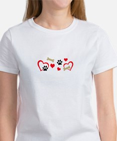 DOG THEME HORIZONTAL T-Shirt