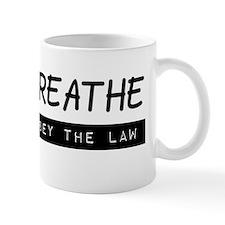 I can breathe (black on white) Mug