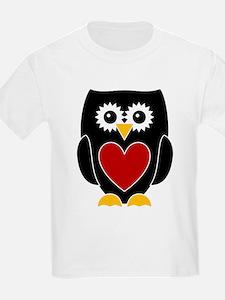 Black Owl / Red Heart T-Shirt