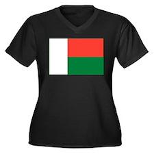 Madagascar Flag Women's Plus Size V-Neck Dark T-Sh