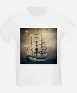 vintage pirate ship landscape T-Shirt