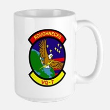 vq7_roughnecks Mugs