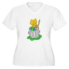 Cat In Garbage Plus Size T-Shirt